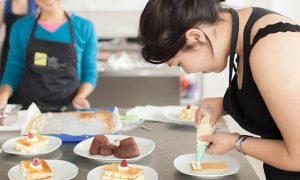 femme cours cuisine patisserie