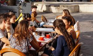 prantsuse keele kohvik noortele