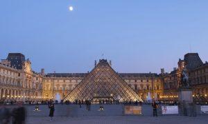 Öö Louvre'is. Leonardo da Vinci